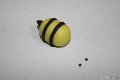 how to make fondant daisies and bumblebee for a cake 13